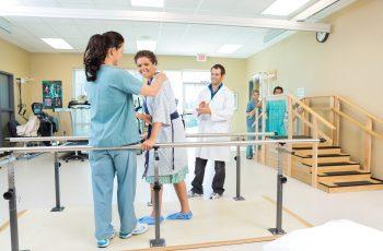 8 equipamentos de fisioterapia fundamentais para o seu consultório