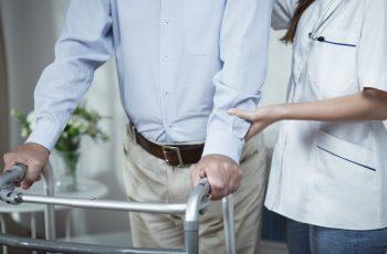Fisioterapia geriátrica: 7 recomendações importantes para o atendimento de idosos